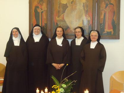 von li nach re: Sr. Josua Maria, Sr. Mirjam, Sr. Claudia Elisheva, Sr. Teresa Benedicta, Sr. Anna