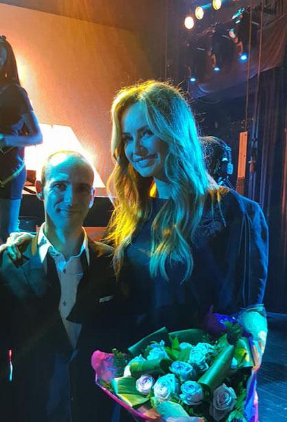 EriK Black et Adriana Karembeu usr la scène du Lido pour le Top Model Belgium