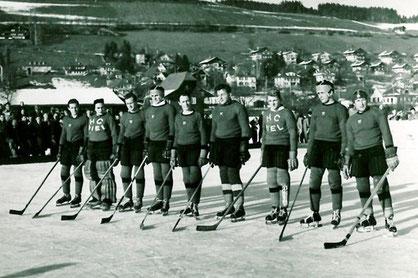 Die Mannschaft des EHC Biel wie sie früher gespielt hat.
