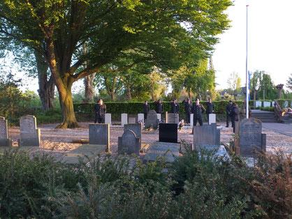 Oorlogsgraven op de begraafplaats van Papendrecht