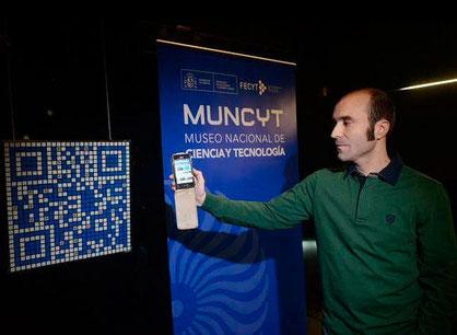 Imagen QR, Ernesto Fernández, Cubo de Rubik