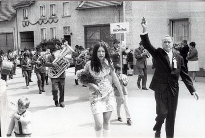 Gründungsfest mit Umzug im Mai 1971