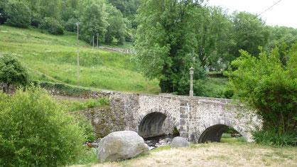 St chey d'aubrac,pont,unesco,compostelle,gr65