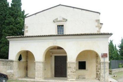 Chiesa Sant'Antonio - Facciata con portico