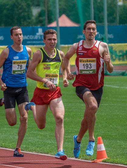 Andreas Vojta ca. 200m vor dem Ziel des 1500m-Rennens vor Paul Stüger und Dominik Stadlmann, die bis zur Ziellinie noch Positionen tauschten