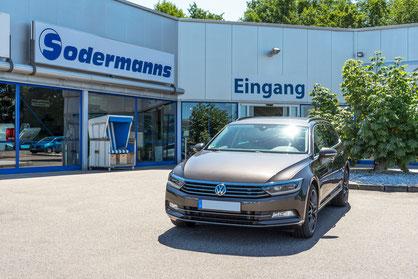behindertengerechter VW Passat Kombi, Selbstfahrerumbau, MFD, Handgerät Gas und Bremse, Pedalsperre, Sodermanns
