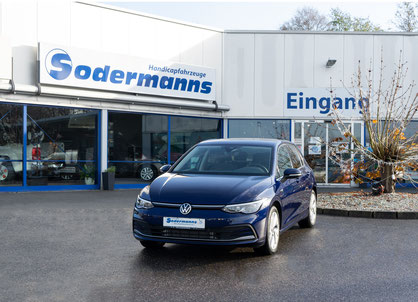 behindertengerechter Volkswagen Golf 8 Fahrzeugumbau für Rollstuhlfahrer behindertengerecht Selbstfahrer, Ladeboy, MFD, Handgerät, Sodermanns