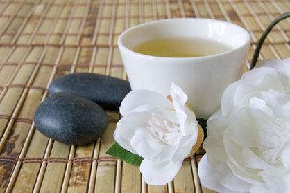 Schön und gesund trinken mit weißem Tee & Hot Port Life & Style | 30+ Lifestyle Blog