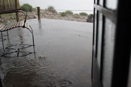 Kurz nach der Ankunft ein gewaltiges Donnerwetter mit viel viel Wasser