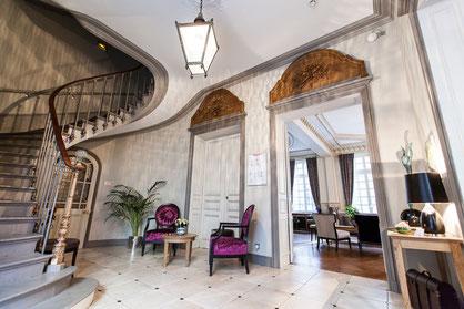 Hôtel Marotte 5 étoiles, hôtel de charme, hôtel de luxe, boutique hôtel Amiens, cosy et chic, proche de la gare et de la cathédrale, réception de l'hôtel