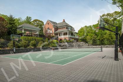 Строительство открытых теннисных кортов.