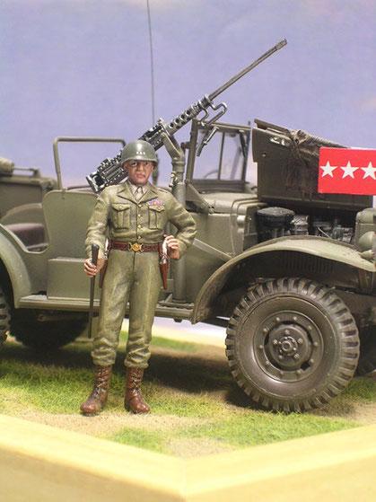 Offene Motordarstellung, beachte Gen. Patton mit silbernen Colt im Halfter