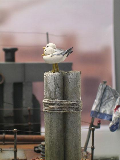 Zweimal Möwe Jonathan auf Russisch im Eigenbau aus Modelliermasse