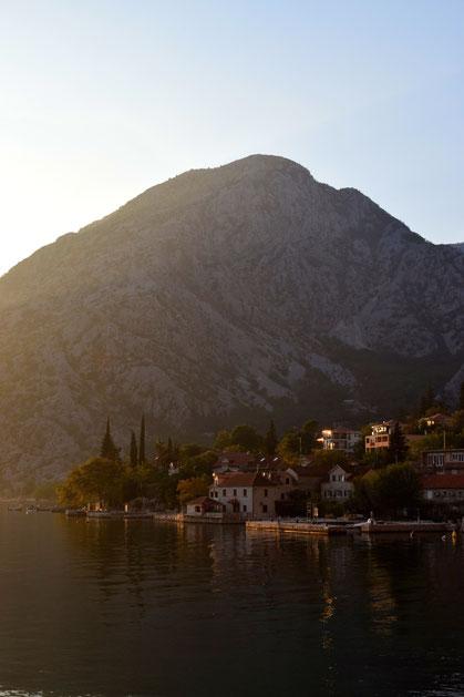 Sonnenuntergang Kotor Bay Montenegro
