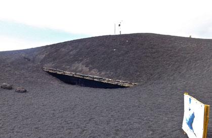 Gli ultimi resti del rifugio di Torre del Filosofo a settembre 2013 ripresi da Giorgio Costa
