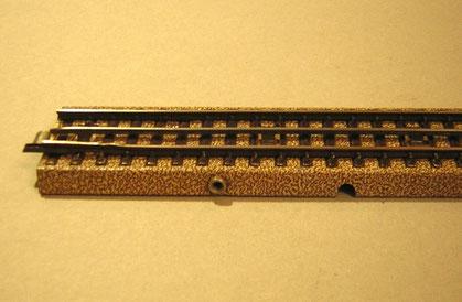 3600 D 1/1 mit der Anschlussbuchse für den Massekontakt.