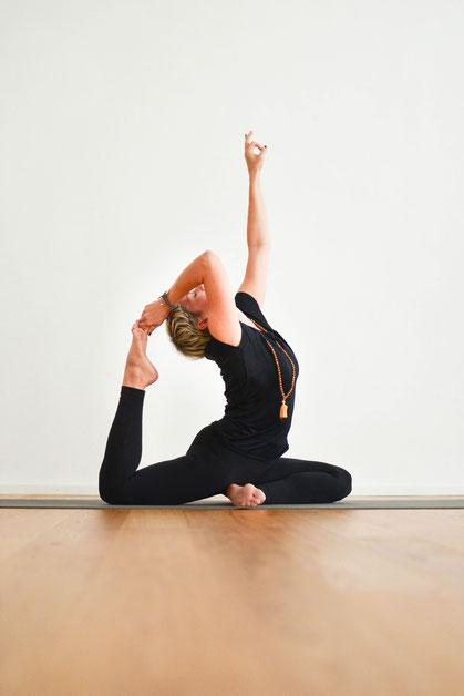 Regelmässige Yogastunden in Augsburg und München, Präventionskurse, ZPP, zentrale Prüfstelle Prävention, Krankenkassenkurse