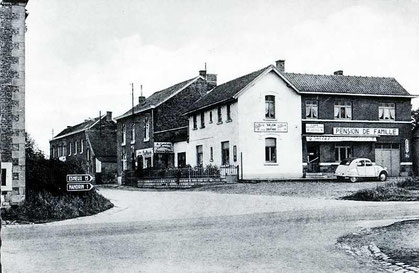 Le carrefour des Quatre-Bras en 1950
