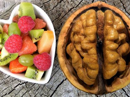 Gesundheit, Nuss, Gehirn, Bewusstsein für Gesundheit, Obst, Himbeeren, Kiwi, Erdbeeren, Ernährung