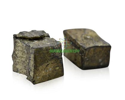 pure ytterbium metal element 70