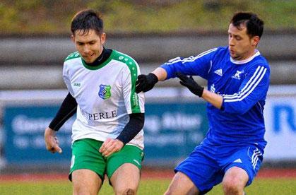 Christian Kuhn (l.) und der TSV Amicitia wollen erst einmal kompakt in der Abwehr stehen.