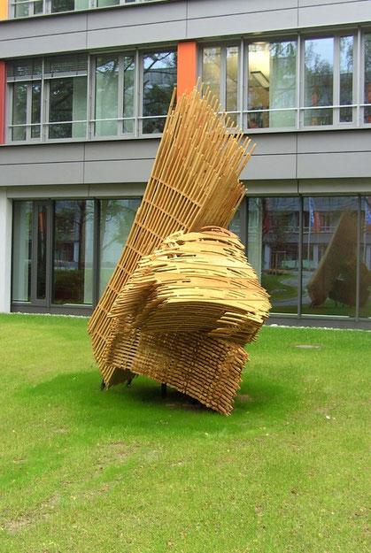Thomas Bayrle, Bruschstroke, Pinselskulptur, Fräsarbeiten der Schreinerei Markant