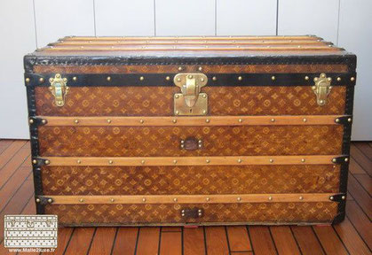 Louis vuitton courier trunk in woven canvas and lacquered steel circa 1900