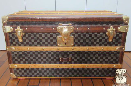 small Louis Vuitton dark checkerboard 1895 mail trunk