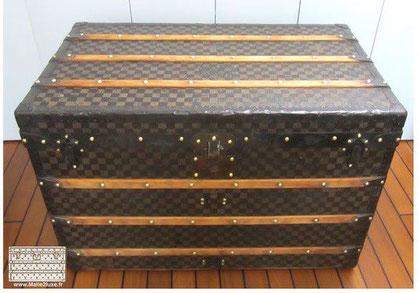 Louis Vuitton Courier trunk - Damier Year: 1890  Exterior: Dark Mark 1 Stenciled Checkerboard Canvas Border and corner: lacquered steel