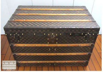 Louis vuitton dark checkered courier trunk 1890