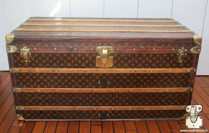 Louis vuitton courier trunk canvas stencil mark 1