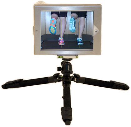 Du siehst unser iPad Set für mobile Bewegungsanalysen mit dem iPad, außer Haus, in Filialen. Das Paket besteht aus einer Schatulle (für das iPad), einem Spezial-Stativ, Weitwinkel+Teleobjektiv und APP (ohne iPad)