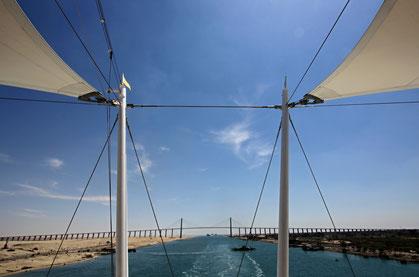 Friedensbrücke Suezkanal