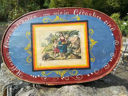 Historische Haubenschachtel aus dem Bestand des Schwälmer Dorfmuseums Holzburg, 19. Jh., Foto: Heidrun Merk