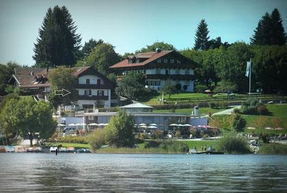 Ferienwohnung in Gstadt am Chiemsee - Strandnähe  (kostenloses Strandbad 50 m)