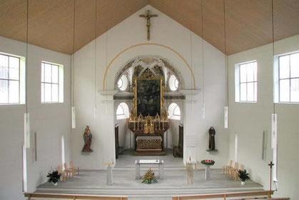 Innenansicht Pfarrkirche Danis-Tavanasa