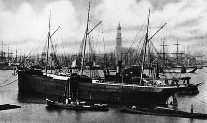 "Dampfer ""John Sauber"" im Hamburger Hafen"