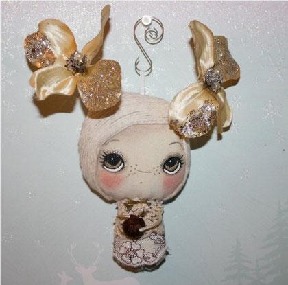 Little Glitter Knitter by The Poppie Tree 日本円で¥2667 !