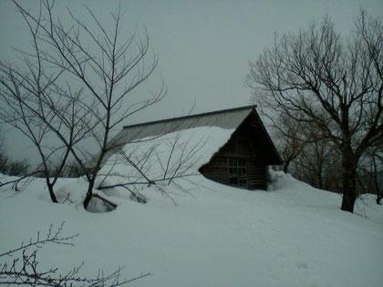 山頂の小屋