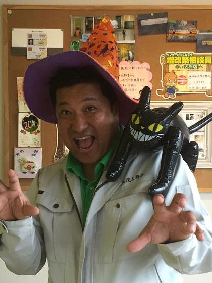 ハロウィンイベントを開催された丸茂社長。