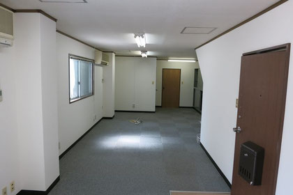 2階貸事務所室内