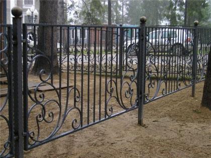 забор с элементами ковки 6.700 руб. п/метр.