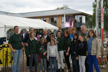 Auf der Deutschen Meisterschaft der Vielseitigkeitsreiter 2012 in Luhmühlen - Gruppenbild mit dem Welt-, Europa- und Deutschen Meister Michael Jung