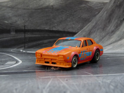 AURORA AFX Ford Escort orange/blau/rot #46