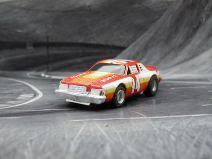 AURORA AFX Dodge Magnum Stock Car rot/weiß/orange #14
