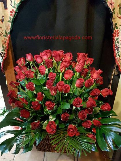 Cesto de 100 rosas rojas ref rosas02