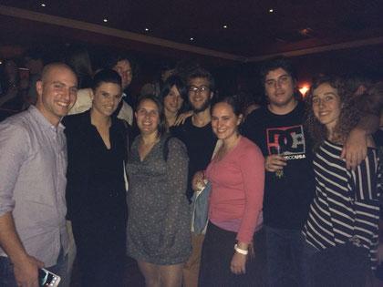 Part de l'equip TEAyudo al concert