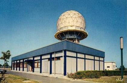 Le radar du Centre Régional de la Navigation Aérienne