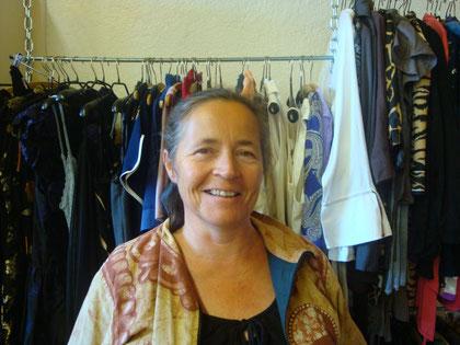 Hulda Wild, Verkaufsmitarbeiterin