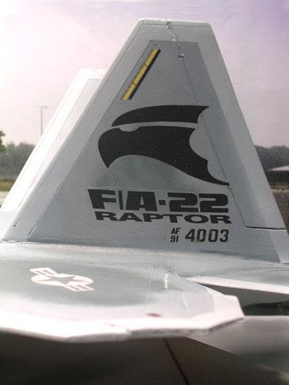 F-22 Raptor als Leitwerkdesign.